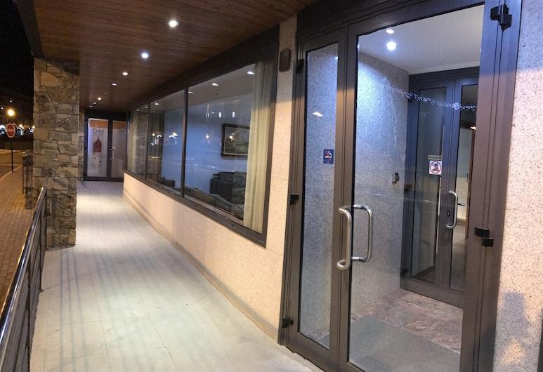 Apartamentos Turísticos Roc Del Castell, Canillo, Property entrance