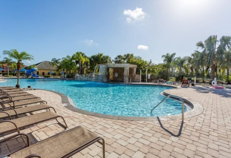 4 Bedroom 3 Bath Town Home With Pool in Paradise Palms Resort, Kissimmee, Huis, Zwembad