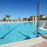 House - Pool