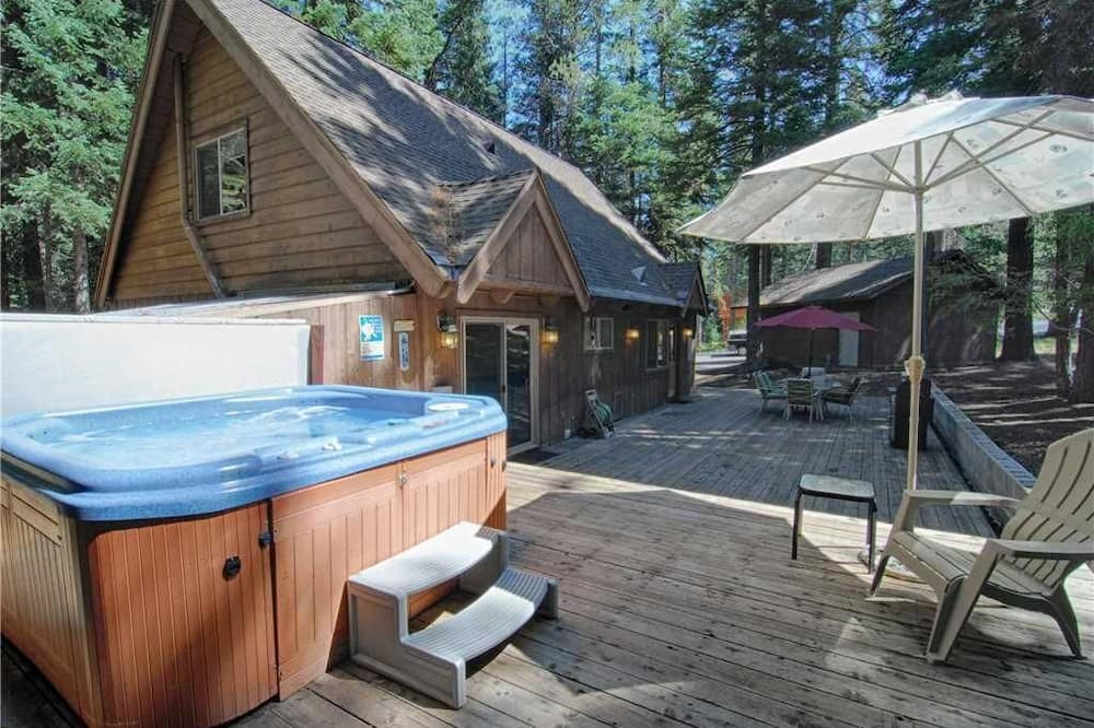 House, Multiple Beds (Lazy Bear Lodge w/Huge Deck and Hot T) - Pool