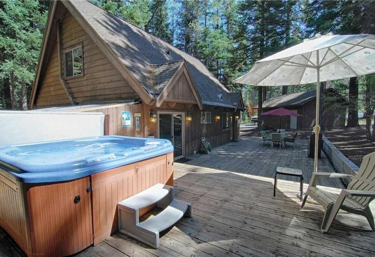 Lazy Bear Lodge W/huge Deck and Hot Tub! #247, Tahoma, Maison, plusieurs lits (Lazy Bear Lodge w/Huge Deck and Hot T), Piscine