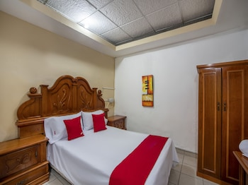 在莫雷利亚的OYO 莫雷利亚酒店照片