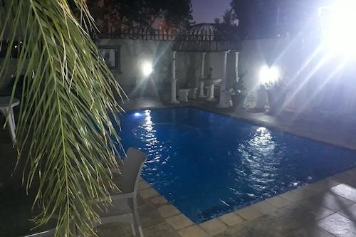 西里爾德納旅館/