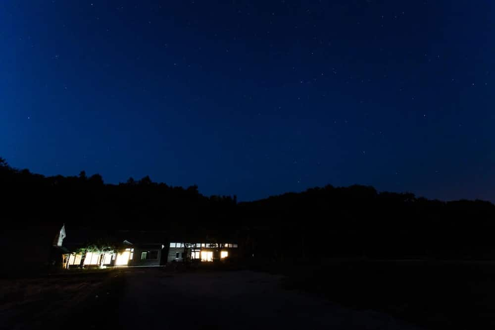 חזית הנכס - ערב