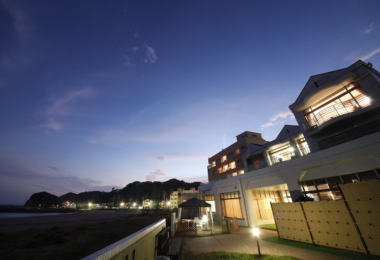 Shibugoe Onjuku, Onjuku, Hadapan Hotel - Petang/Malam