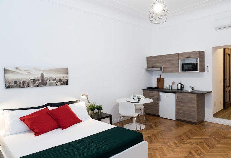 New 1 Bedroom Apartment Central Station, Milan
