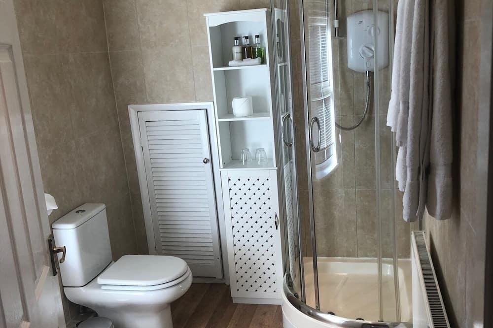 Izba s dvojlôžkom alebo oddelenými lôžkami (Room 5) - Kúpeľňa
