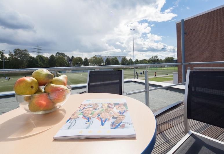 Sporthotel Hamburg, Hamburg, Einzelzimmer, Balkon