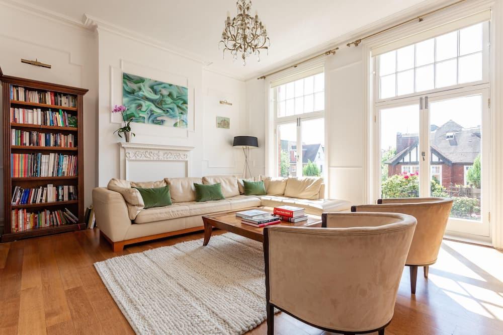 Apartament (4 Bedrooms) - Salon