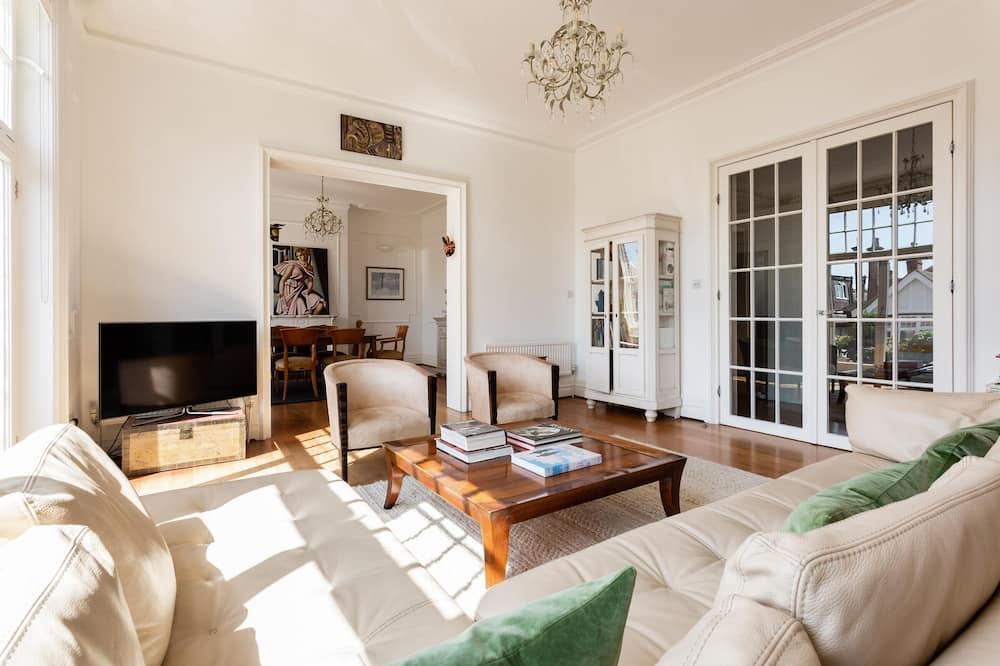Apartament (4 Bedrooms) - Zdjęcie opisywane
