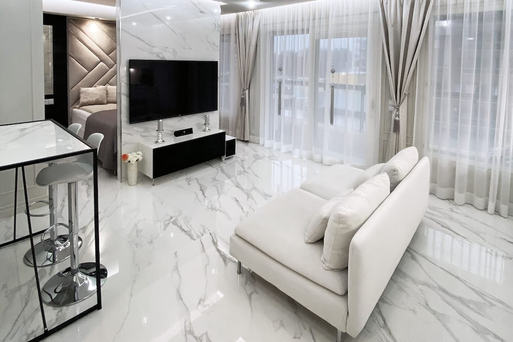 ★ Suite ★ with Lake View next to Downtown