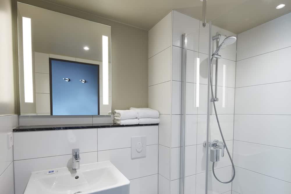 Standard Tek Büyük Yataklı Oda, 1 Çift Kişilik Yatak - Banyo