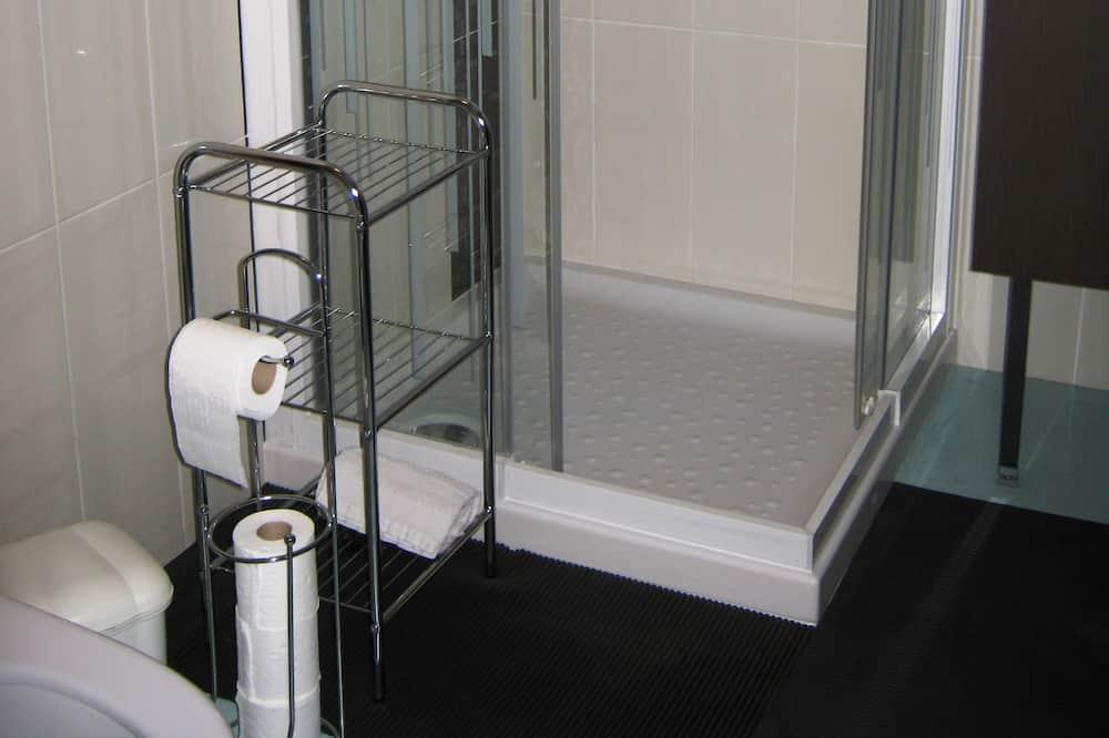 Triple Room (ILE DE RE) - Bathroom