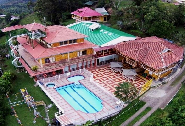 瑟萊克塔生態酒店, 佩雷拉