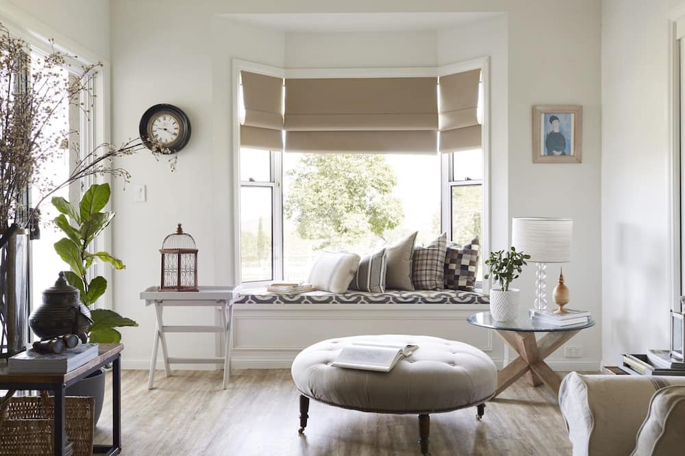 Farmhouse, 3 Bedrooms, 2 Bathrooms - Living Room