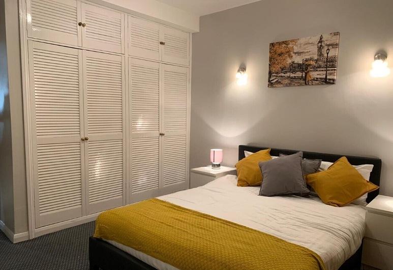 Luks Apartments, London