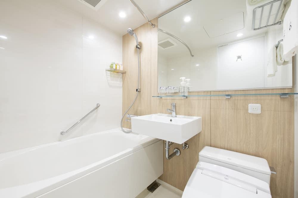 Dvokrevetna soba, kada - Kupaonica