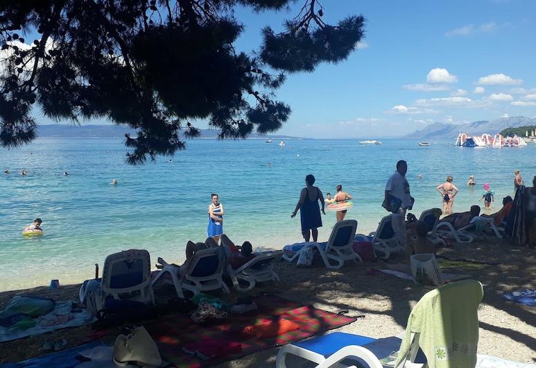 Apartment Ivan, Makarska, Beach