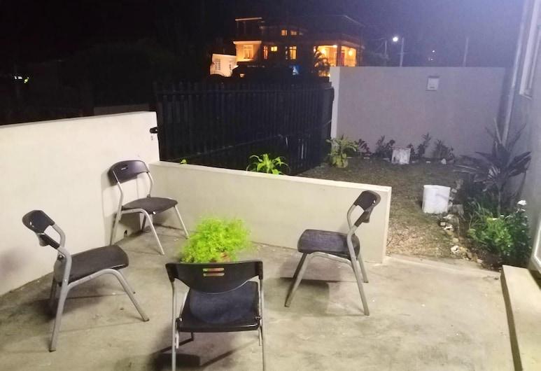 Apartment With 2 Bedrooms in Flic en Flac, With Enclosed Garden and Wifi, Flic-en-Flac, Αίθριο/βεράντα