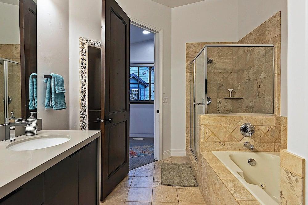 Townhome, 3 Bedrooms - Bathroom