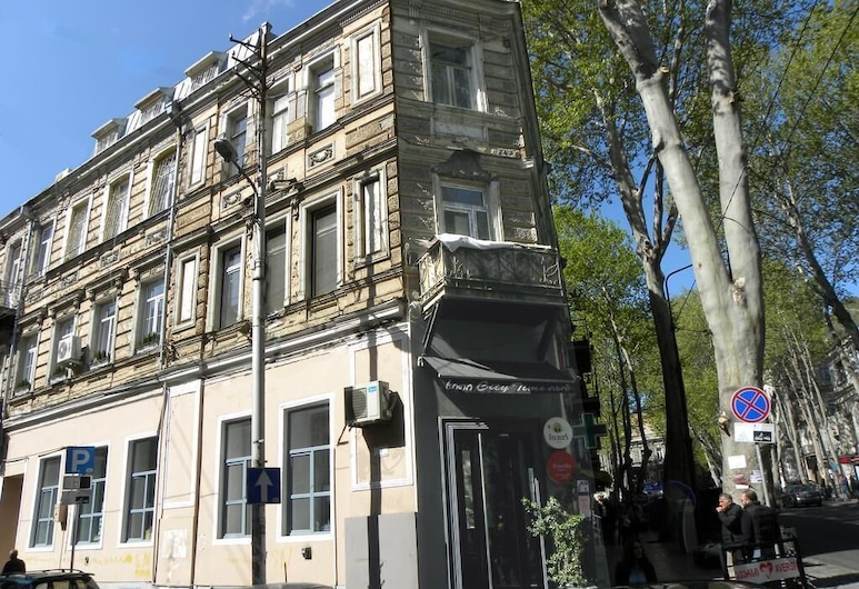 Guest House on Leonidze, Tbilisi, Fachada do Hotel