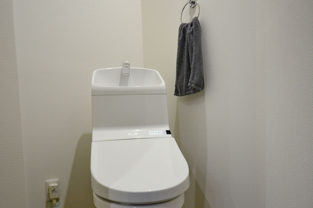 City Studio - Bathroom