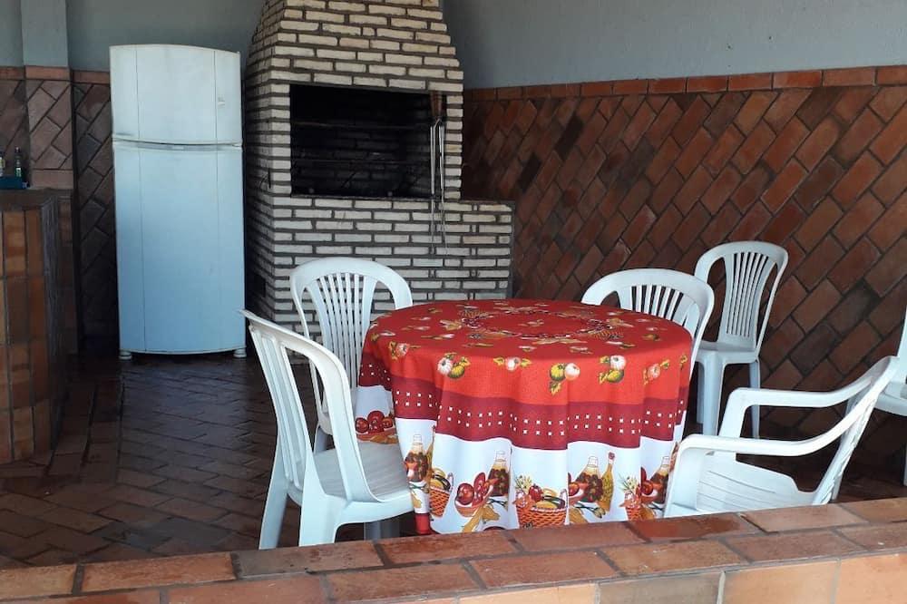 Casa Mobiliada com Área Gourmet