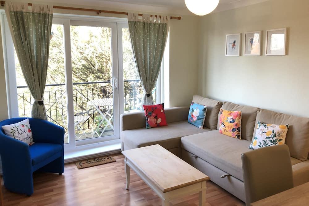Apple Perch - Living Room