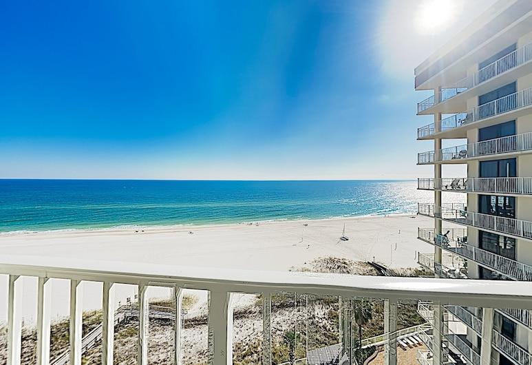 New Listing! Beachfront Corner Unit W/ Pools 3 Bedroom Condo, Pantai Orange , Condo, 3 Bedrooms, Balkoni