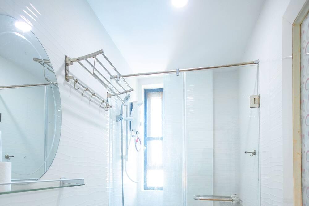 Traditional Twin Room - Bathroom