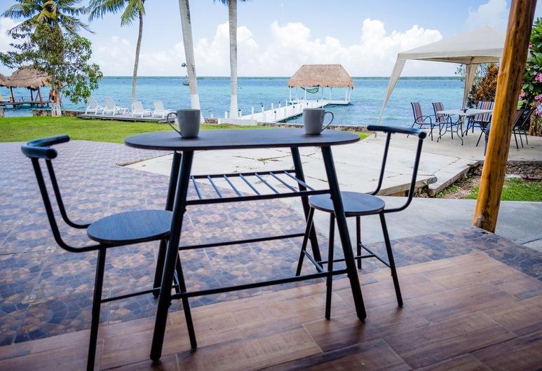 皇家棕櫚巴卡拉爾小屋和潟湖俱樂部酒店, 巴卡拉爾, 豪華小屋, 湖景, 陽台