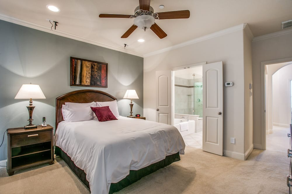 Family Townhome - Room
