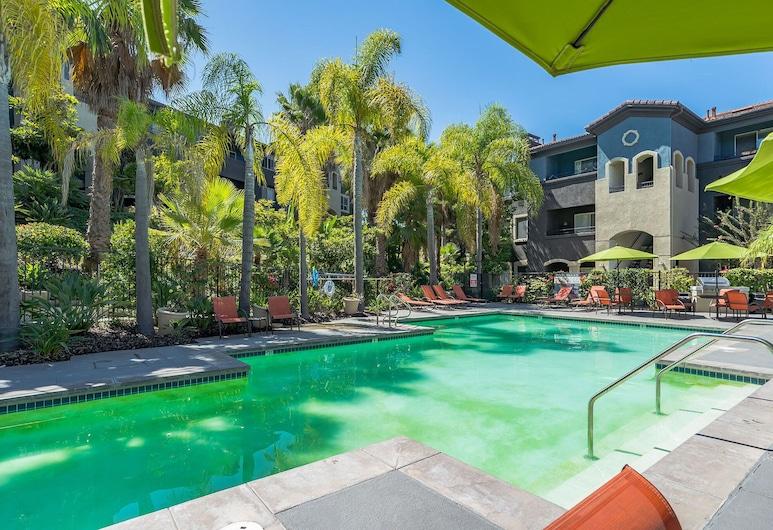 The Luxe Suites of Oceanside (Pool + Gym), Oceanside, Outdoor Pool