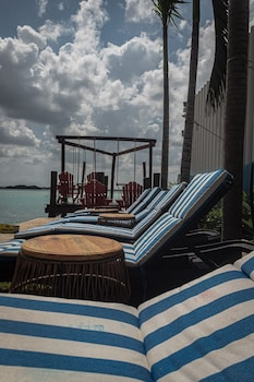 Enter your dates to get the best Bacalar hotel deal