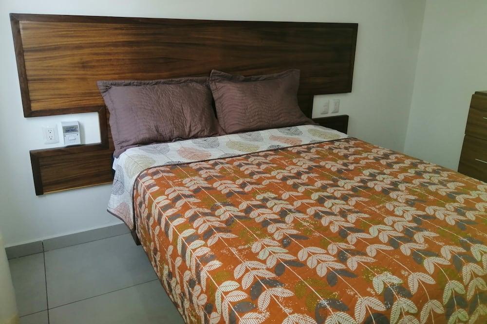 Comfort-huone, 1 keskisuuri parisänky, Tupakointi sallittu - Vierashuone