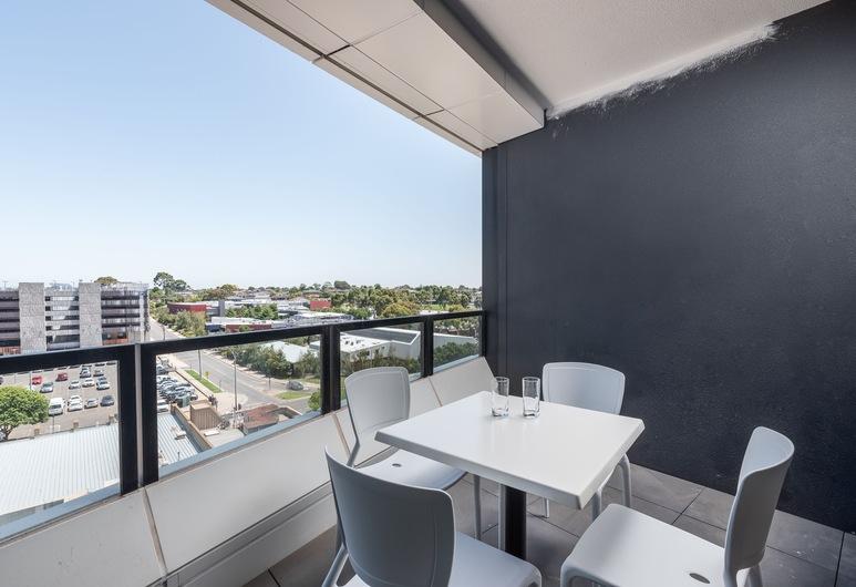 Domi Serviced Apartments, Glen Waverley, Standard Apartment, 2 Bedrooms, Balcony