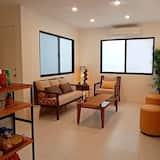 Zimmer (Private, B) - Wohnbereich