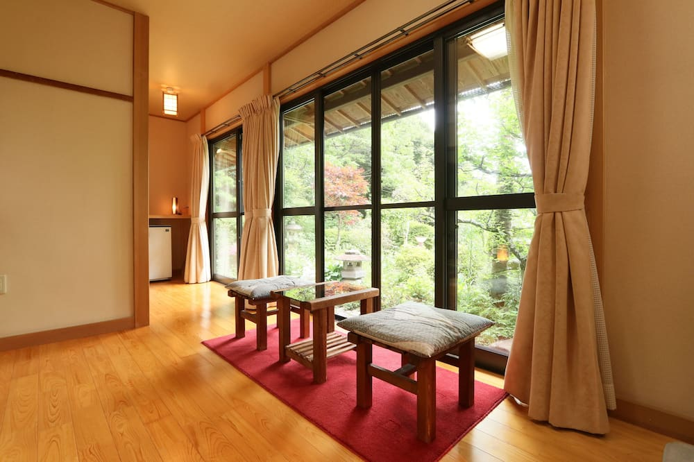 Traditional-Zimmer (Japanese Style, for 4 People) - Zimmer