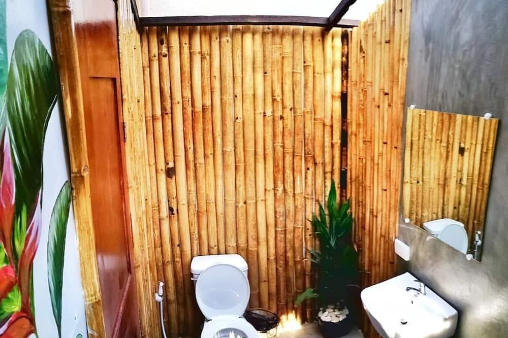 Deluxe bungalov, 1 queen size krevet - Kupaonica