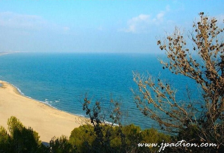海與太陽洛克民宿, 羅屈埃福爾代科爾比埃, 海灘