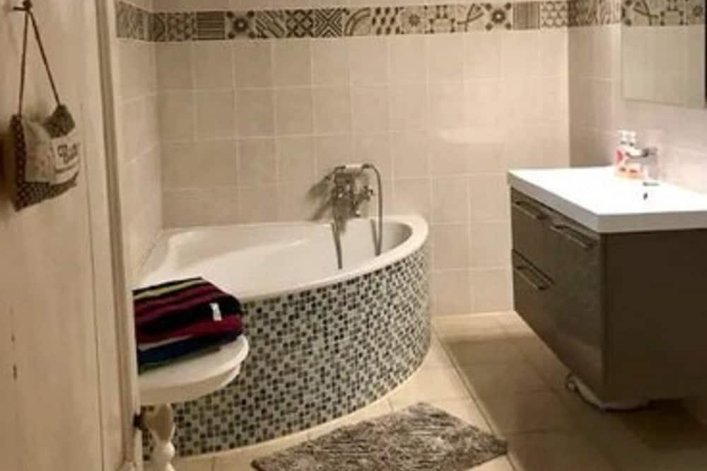 Family Room (Ciel Bleu) - Bathroom