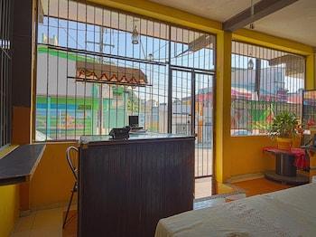 比亞埃爾莫薩OYO 法蘿勒斯旅館的相片