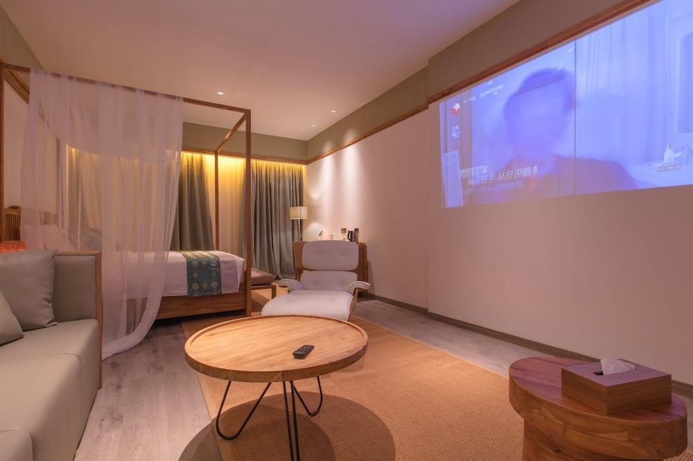 Deluxe Suite, 1 King Bed - Guest Room