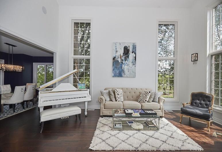 Simply Comfort - Unique 5BR Villa with Piano, Линкольн