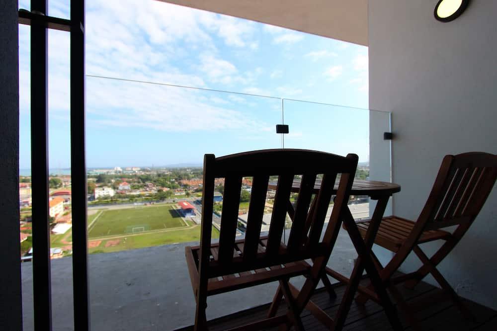 Studio (906) - Balcony