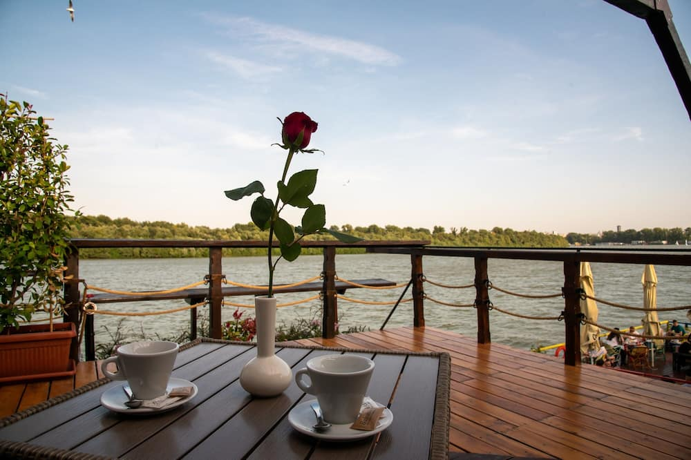 جناح إستديو ديلوكس - تِراس/ فناء مرصوف