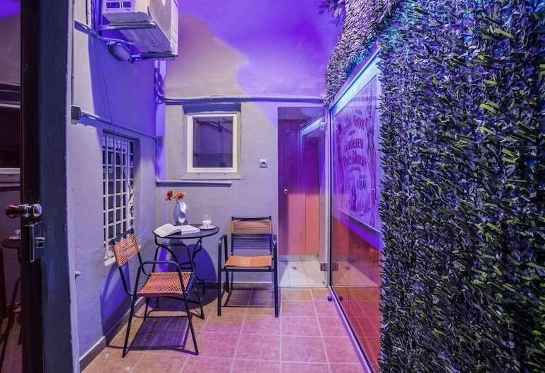 Boutique maisonette in Athens, Atenas, Apartamento, Terraço/pátio