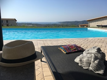 Nuotrauka: Mint Retreat Suites - Adults Only, Kassandra