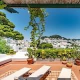 Charming Villa Capri