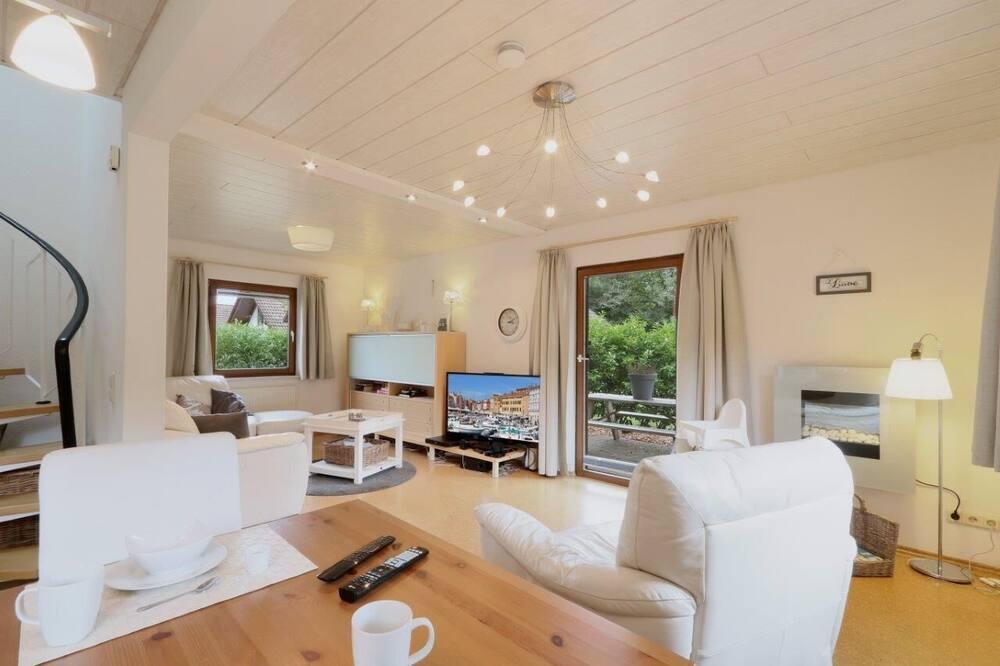 House, 4 Bedrooms, Sauna - Living Room